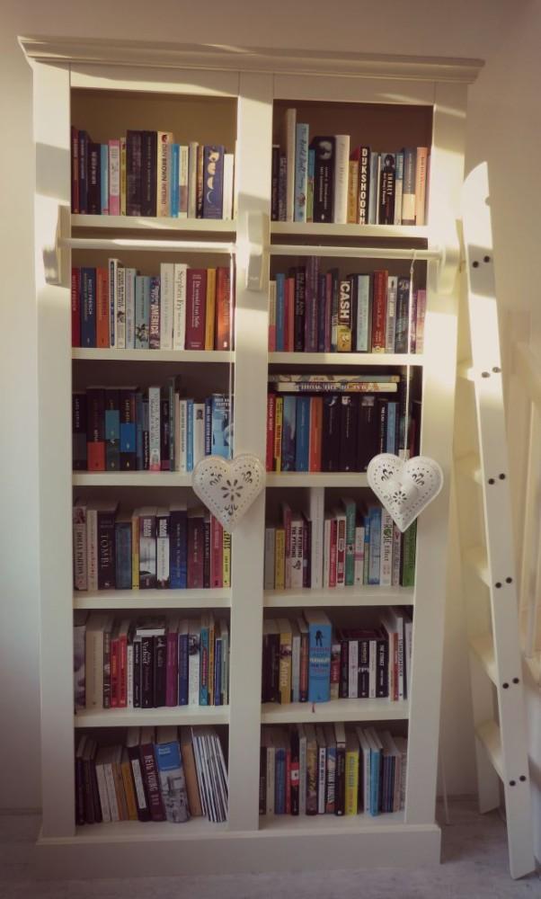 De boekenkast van.... Miranda!